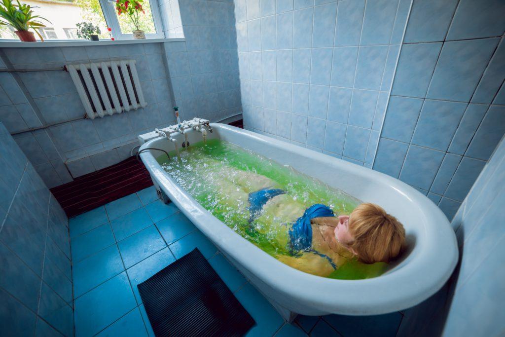 Йодобромні та хвойні ванни у санаторії