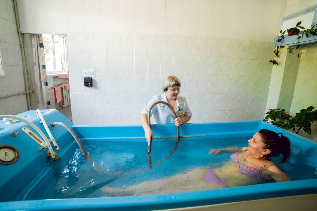 Підводний душ-масаж, вібраційні і вихрові ванни